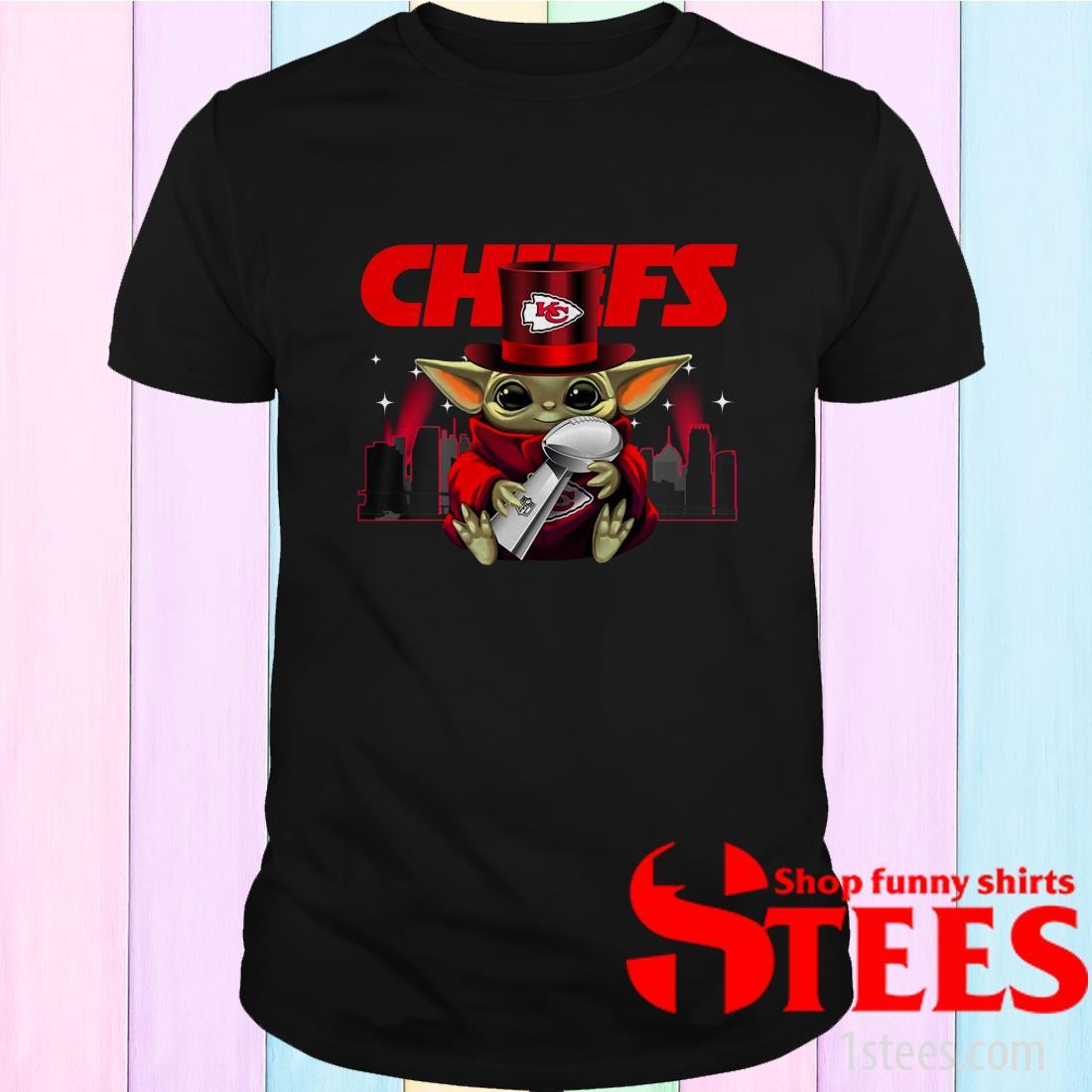 Baby Yoda Hug Super Bowl Liv Kansas City Chiefs Shirt